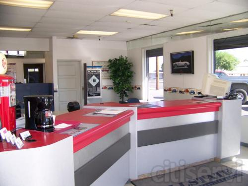 Customer service area at Allstate Transmission and Auto Repair in Phoenix